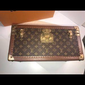 Louis Vuitton Bags - Authentic Louis Vuitton Pharmacie train case mono